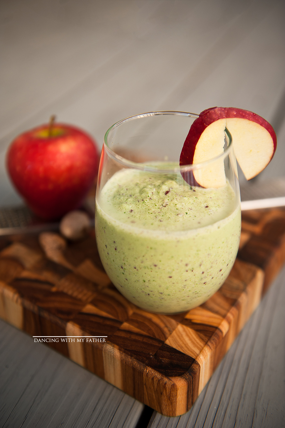 APPLE PIE GREEN SMOOTHIE dancing with my father e