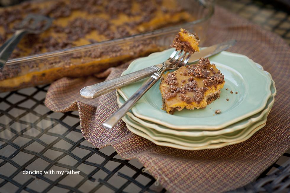 paleo pumpkin pie bars d